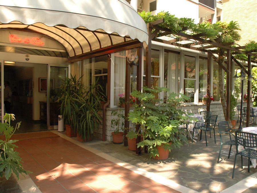 Hotel fior di pino pinarella di cervia albergo 3 stelle for Bagno 3 stelle pinarella